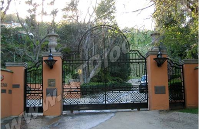 Driveway Gates Repair Company - Beverly hills, CA