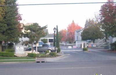 Chateau La Salle - Fresno, CA