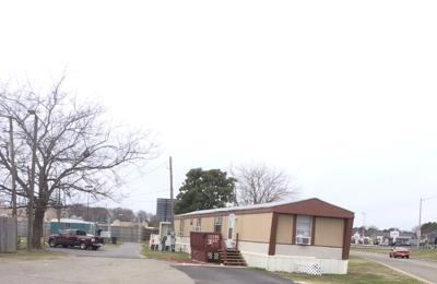 Hampton Trailer Park - Hampton, VA