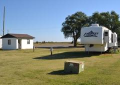 Merritt Mobile Home & RV Park - Elk City, OK