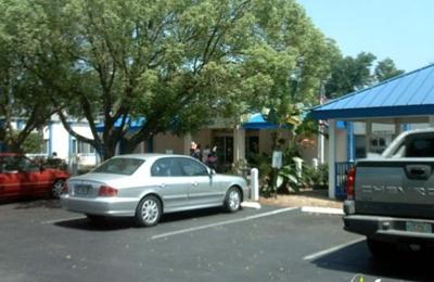 Whispering Oaks - Tampa, FL