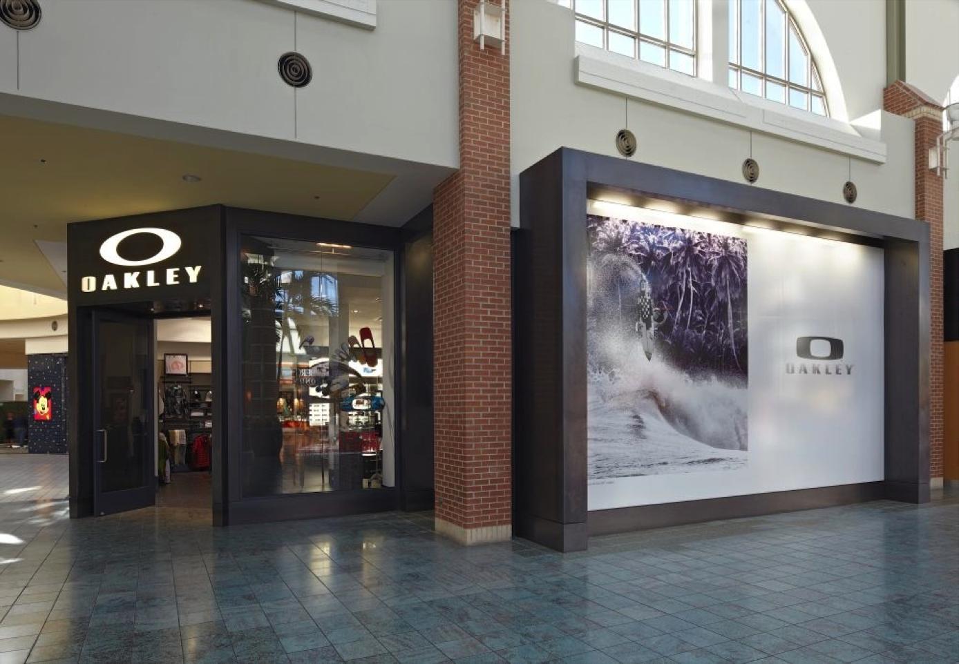 c1ebf6bf83d Oakley Store 548 Brandon Town Center Mall