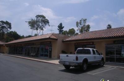 Superbe Classy Closet Consignment   Encinitas, CA