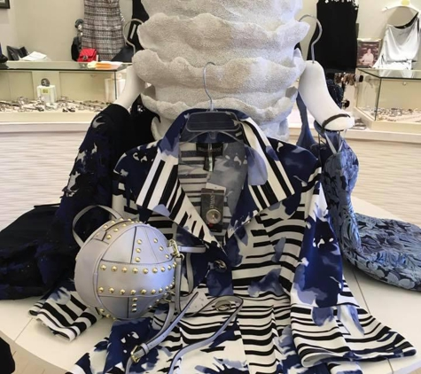 Avenue Fashions - Deerfield, IL