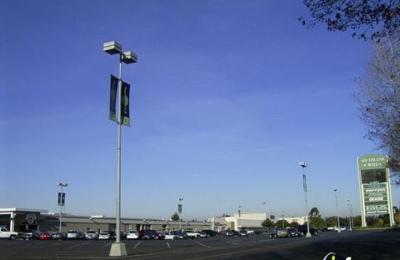 HomeTown Buffet - Hayward, CA