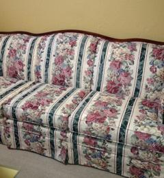 2 Doors Down Furniture Consignment   Edmond, OK