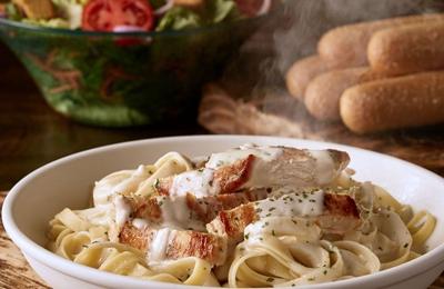 Olive Garden Italian Restaurant 500 NW Barry Rd Kansas City MO