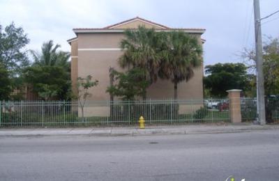 Miami Stadium Apartments - Miami, FL