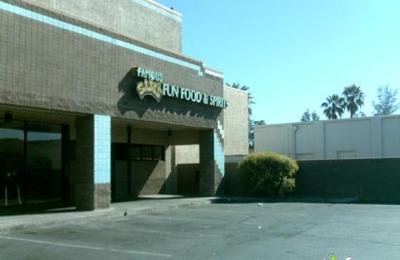 Famous Sam's Restaurant & Bar - Tucson, AZ