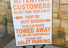 El Mariachi Restaurant - Encino, CA. El Mariachi parking sign.