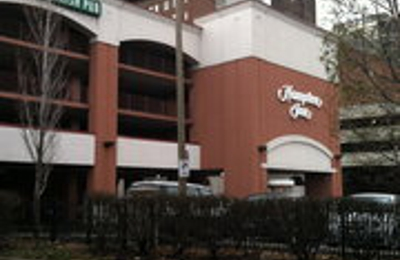 Hampton Inn St. Louis-Downtown (At the Gateway Arch) - Saint Louis, MO