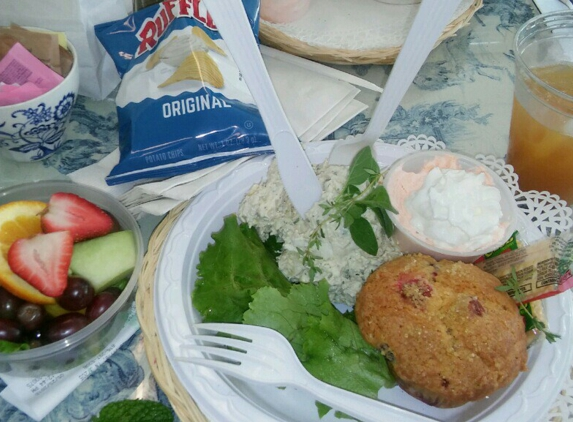 Picnic Cafe & Party Catering - Nashville, TN. Lunch from Picnic and Pantry