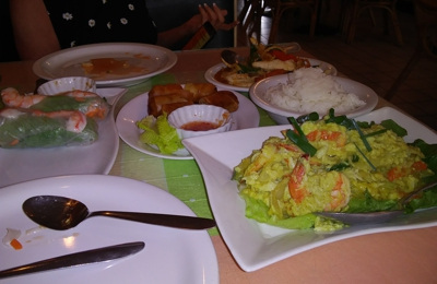 Hilo Siam Thai Restaurant - Hilo, HI. Shrimp curry and mai mai yuuuumie.