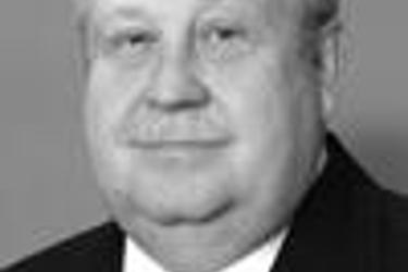 Edward Jones - Financial Advisor: Elton K Dycus