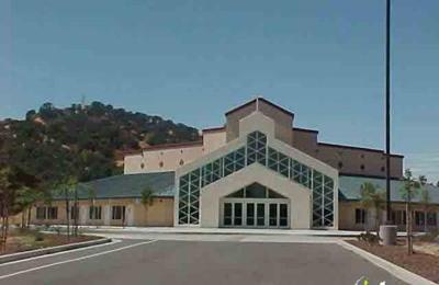Crossroads Christian Church - Vacaville, CA