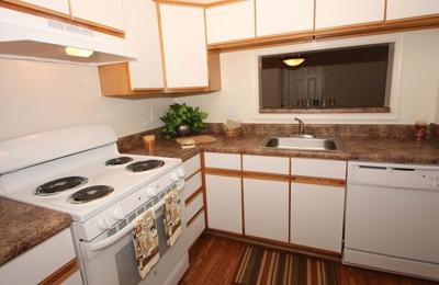 Autumn Wind Apartments - Winchester, VA