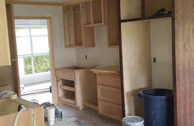 Randy Johnson Painting And Drywall - West Monroe, LA. cabinets before