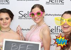 Selfie Party Station - Digital Photo Booth Rental - Youngstown, OH