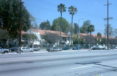 Village Pointe Apartments - Northridge, CA