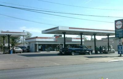 Sunglo Service Stations - San Antonio, TX