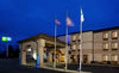 Holiday Inn Express & Suites St. Clairsville