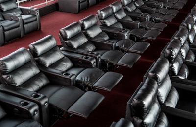 Showcase Cinema de Lux Woburn - Woburn, MA
