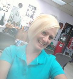 Clip'n Curl Beauty Salon - Austin, TX