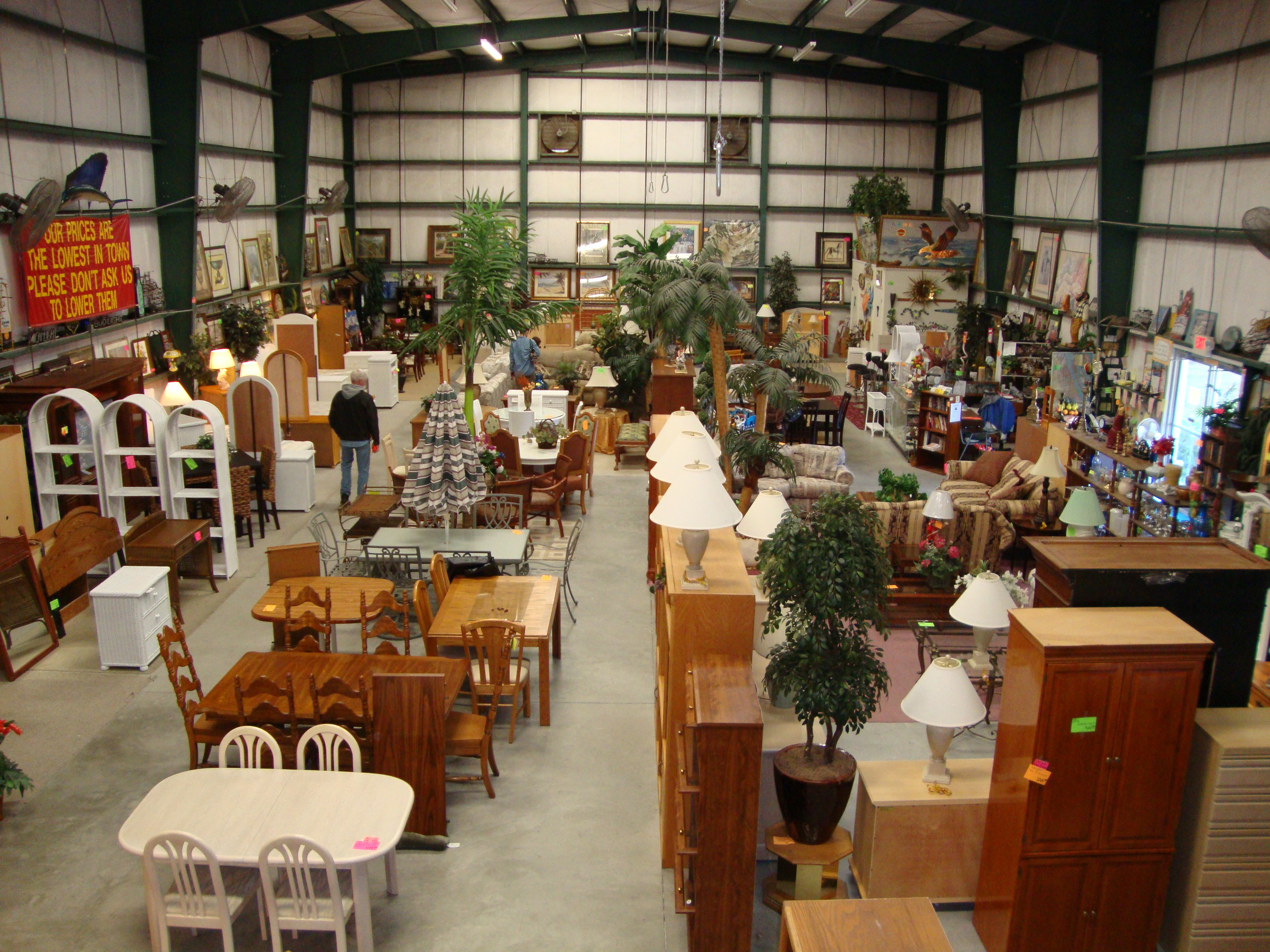Westside used furniture warehouse 2140 meadowlane ave for Furniture consignment melbourne fl
