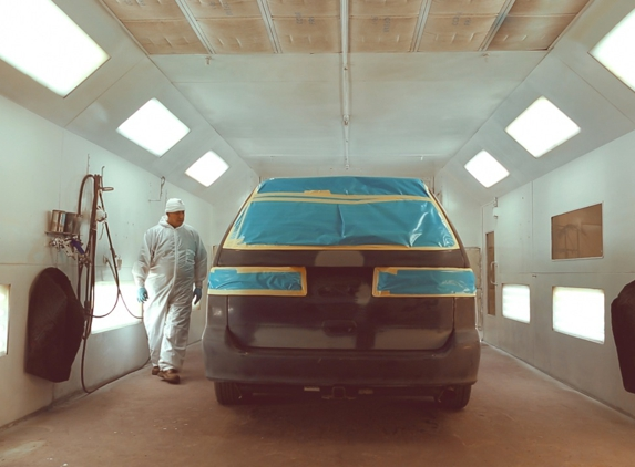 Maaco Auto Body Shop & Painting - Middlesex, NJ