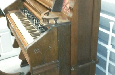 Fabulous Finds. Windson Chicango piano for sale with benches /stool.