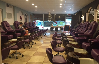 Manhattan Nail Salon - Tampa, FL
