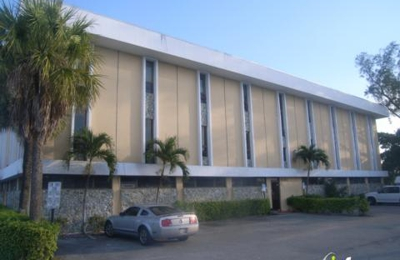 Hills, Laine W - Fort Lauderdale, FL