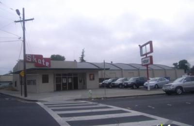 Redwood Roller Rink - Redwood City, CA