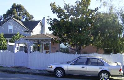 Poochies Bath House - Hayward, CA
