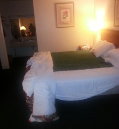The Grand Inn - Channelview, TX. The room is substandard housing but at the rate I guess u get what u pay for......
