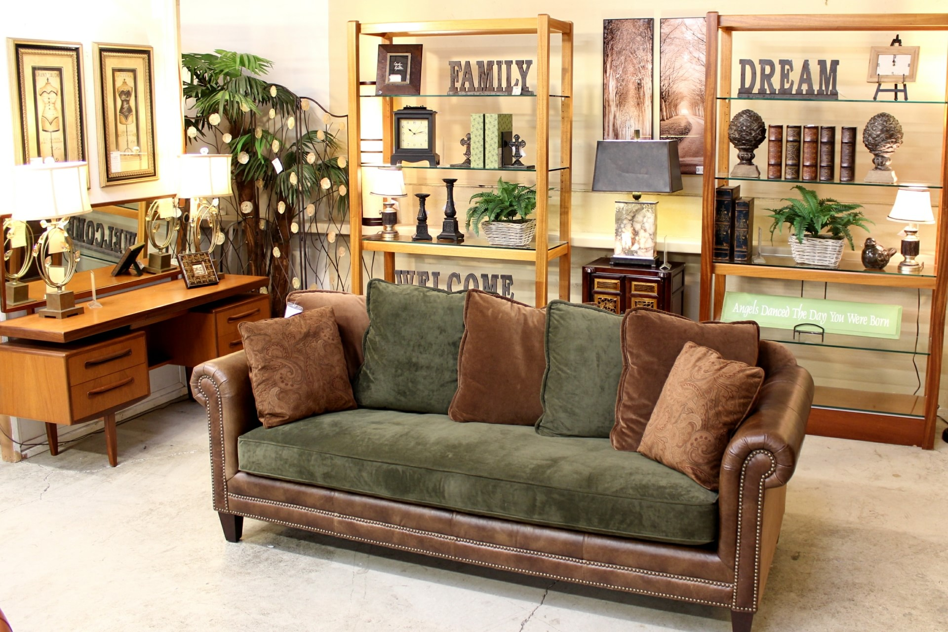 Merveilleux Upscale Consignment Furniture U0026 Decor 17785 SE 82nd Dr, Gladstone, OR 97027    YP.com