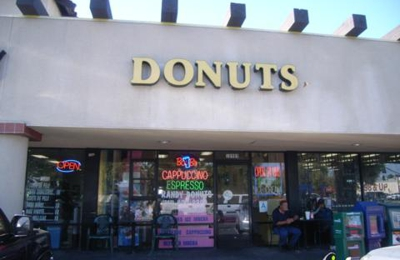 Randy's Donuts - Norwalk, CA