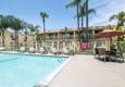 Comfort Inn & Suites Near Long Beach Conv. Ctr - Long Beach, CA
