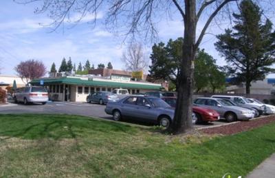Giant Chef Burger - Pleasant Hill, CA