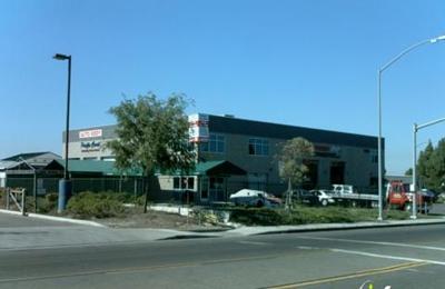 Pacific Coast Auto Body - San Diego, CA
