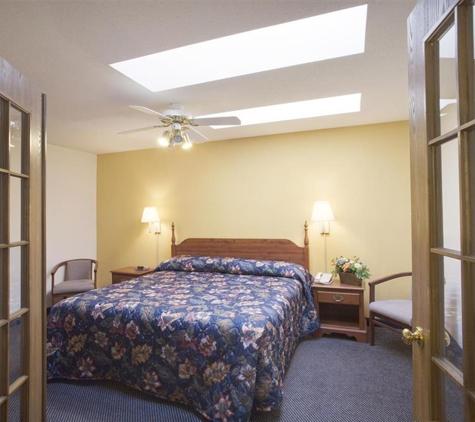 Americas Best Value Inn - Lake Mills - Lake Mills, WI