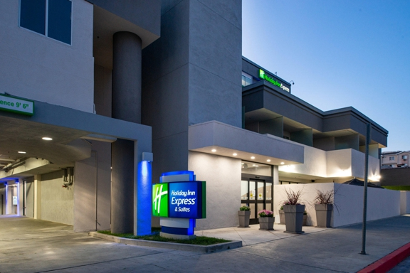 Holiday Inn Express & Suites Los Angeles Downtown West - Los Angeles, CA