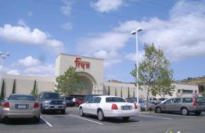 Fry's Electronics - Fremont, CA