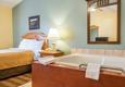 Econo Lodge Inn & Suites - Eau Claire, WI