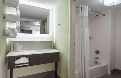 Hampton Inn & Suites Chapel Hill/Durham, Area - Chapel Hill, NC
