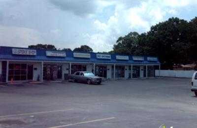 Recked smoke shop - Tampa, FL