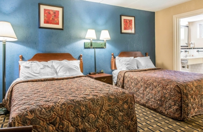 Econo Lodge Cranston - Providence - Cranston, RI