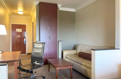 Comfort Suites Oceanside Marina - Oceanside, CA