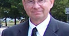 Farmers Insurance and Progressive Insurance Thomas Groom - South Lyon, MI