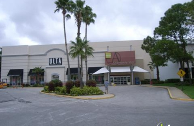 Amc Theatres Alamonte Mall 18 433 E Altamonte Dr Altamonte Springs Fl 32701 Yp Com